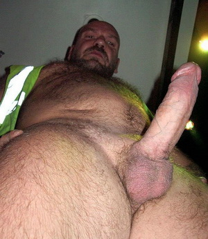 See muscled mature gays wild side in this great daddy bfs site